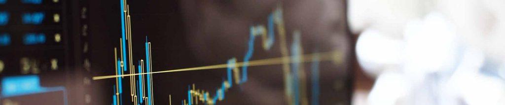 Exemple de crise. Graphique boursier sur un écran d'ordinateur, illustre la bourse EURONEXT en cas de communication de crise